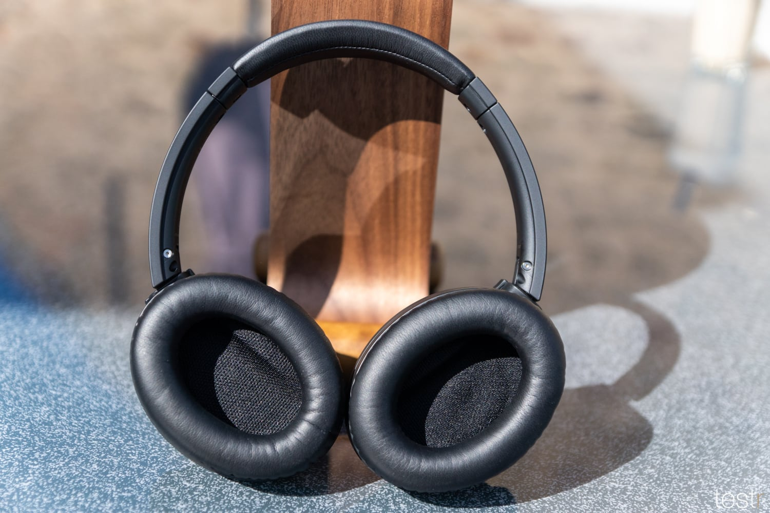 Audio Technica ATHANC700BT 8