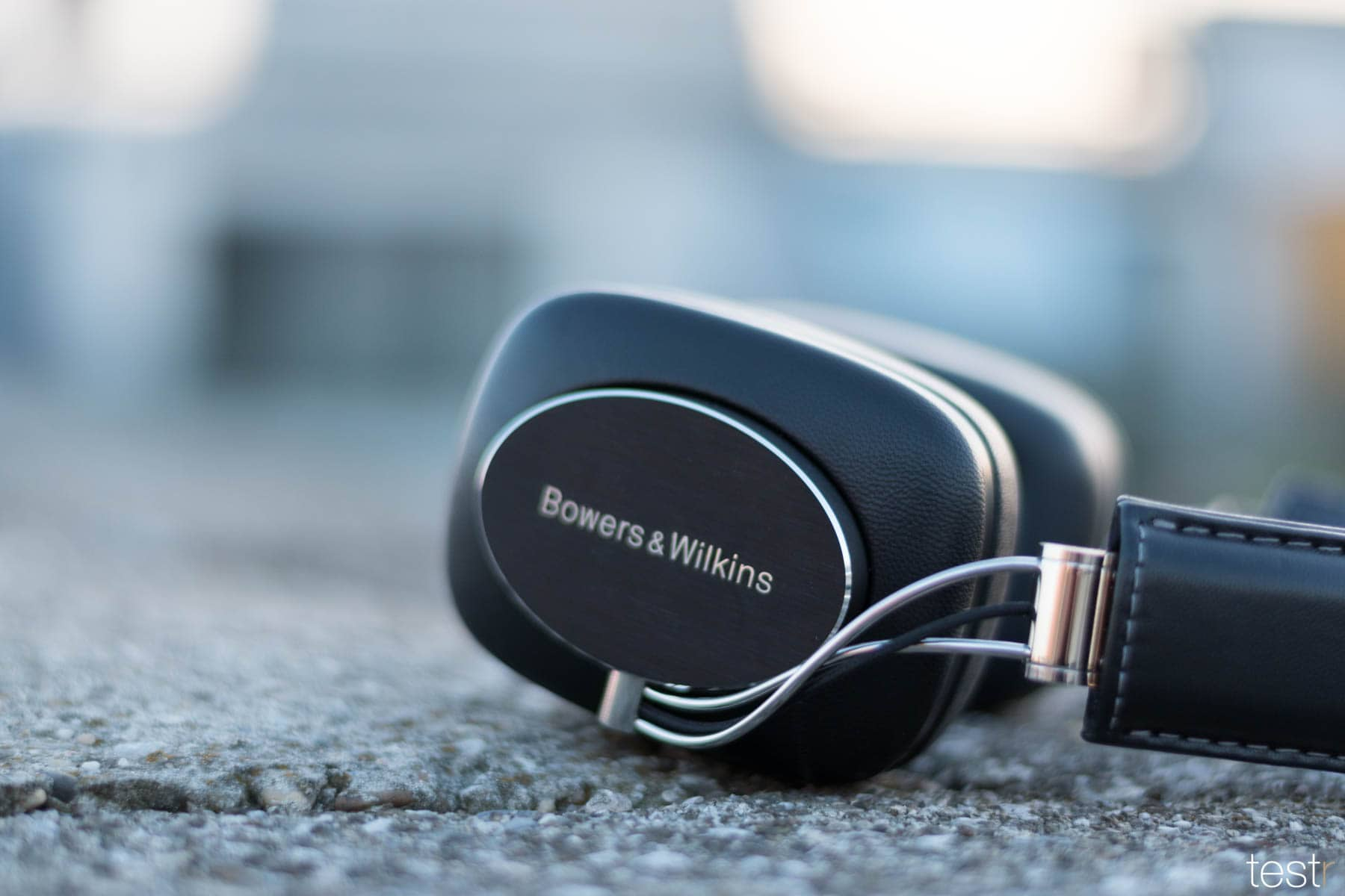 Bowers Wilkins P7 Wireless 14